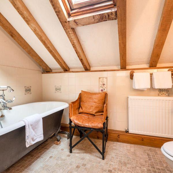 The Barn upstairs bathroom